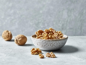 Regular walnut consumption linked to healthy-aging in women, according to new study
