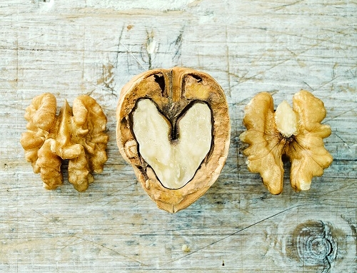 Harvard research links eating walnuts to lower risk of type 2 diabetes and cardiovascular disease